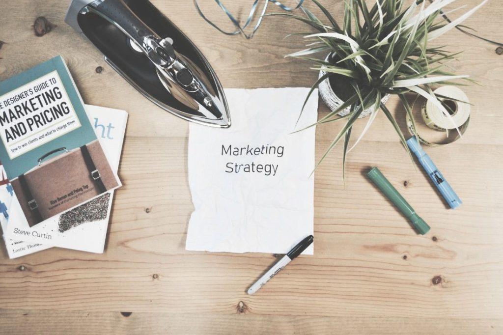 Gerade für Einsteiger zum Start wichtig: die richtige Online Marketing Strategie aufstellen